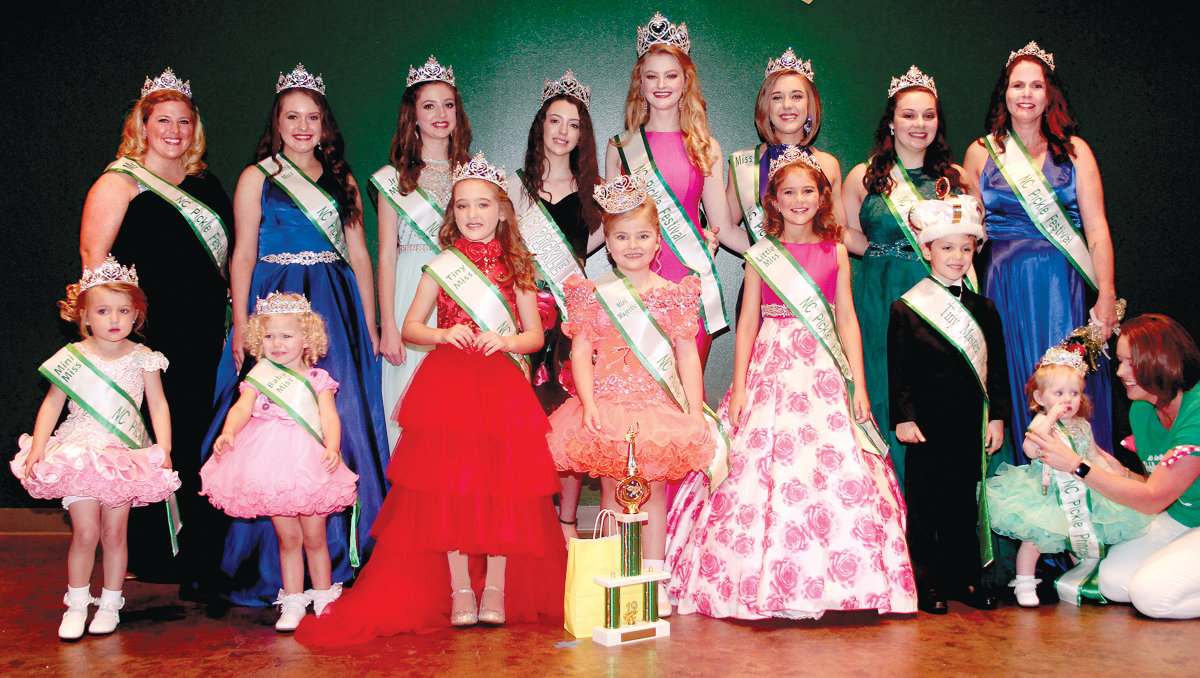 In the front row from left are Mini Miss, Brodie Arthur; Baby Miss, Georgia Foss; Tiny Miss, Blakley Thompson; Mini Majestic, Lexi Cavanaugh; Little Miss, Ansleigh Thrash; Tiny Master, Dominic Errato; and Royal Miss, Cannady Rose. In the back row from left are Ms. winner Morgan Brown; Young Miss, Sarah Faulk; Junior Miss, Valerie MacDonald; Lifetime Queen, Blair Sarvis; Overall Majestic, Reagan Wayne; Miss, Tara Parker; Teen Miss, Kayla Tauber; and Mrs. winner, Laura Ownes.