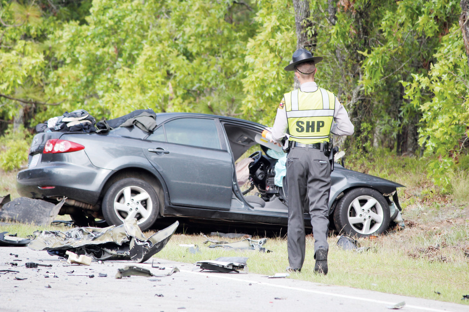 Troopers identify victims in fatal wreck | The Daily Record