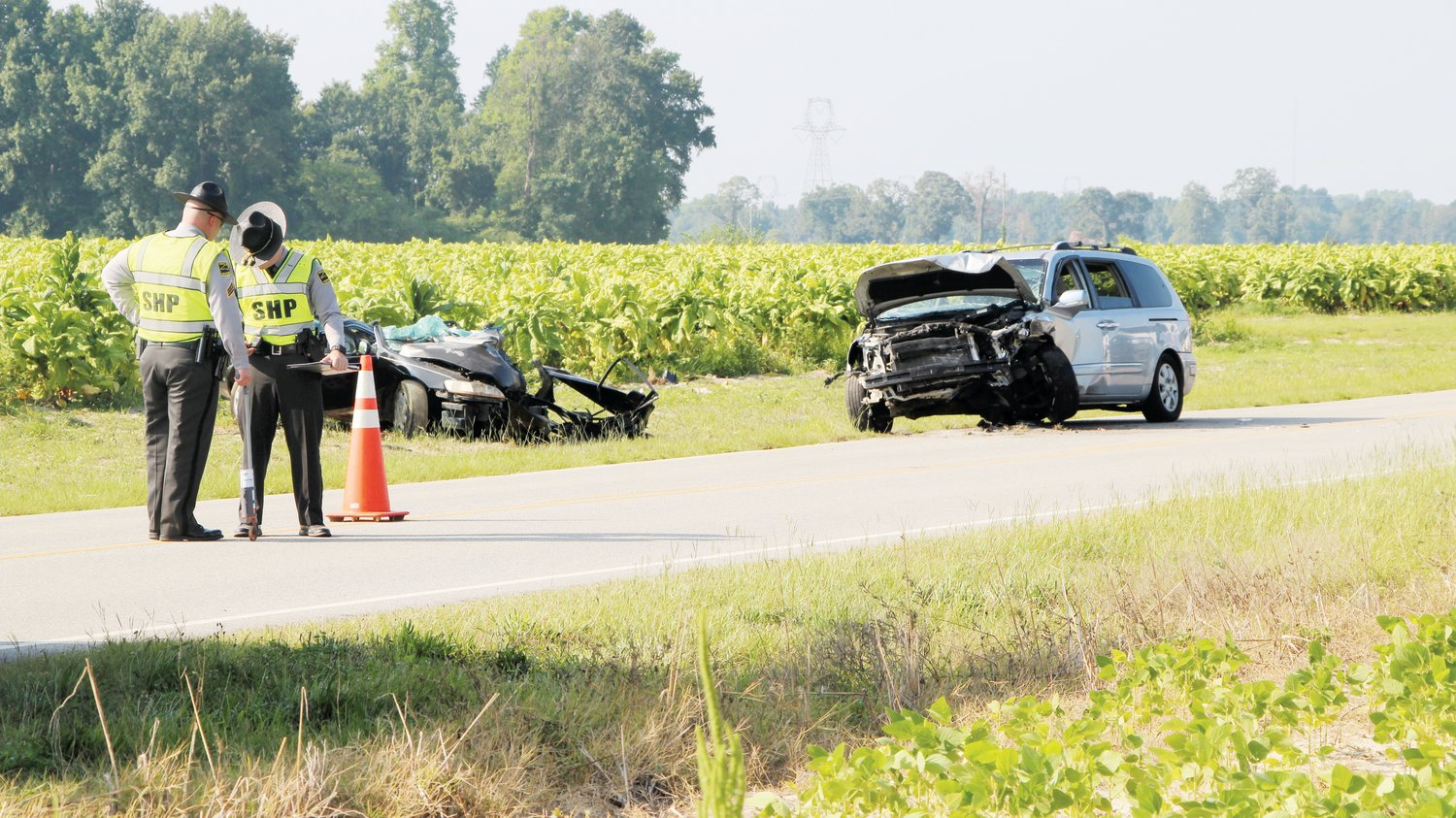 Troopers investigate fatal wreck | The Daily Record