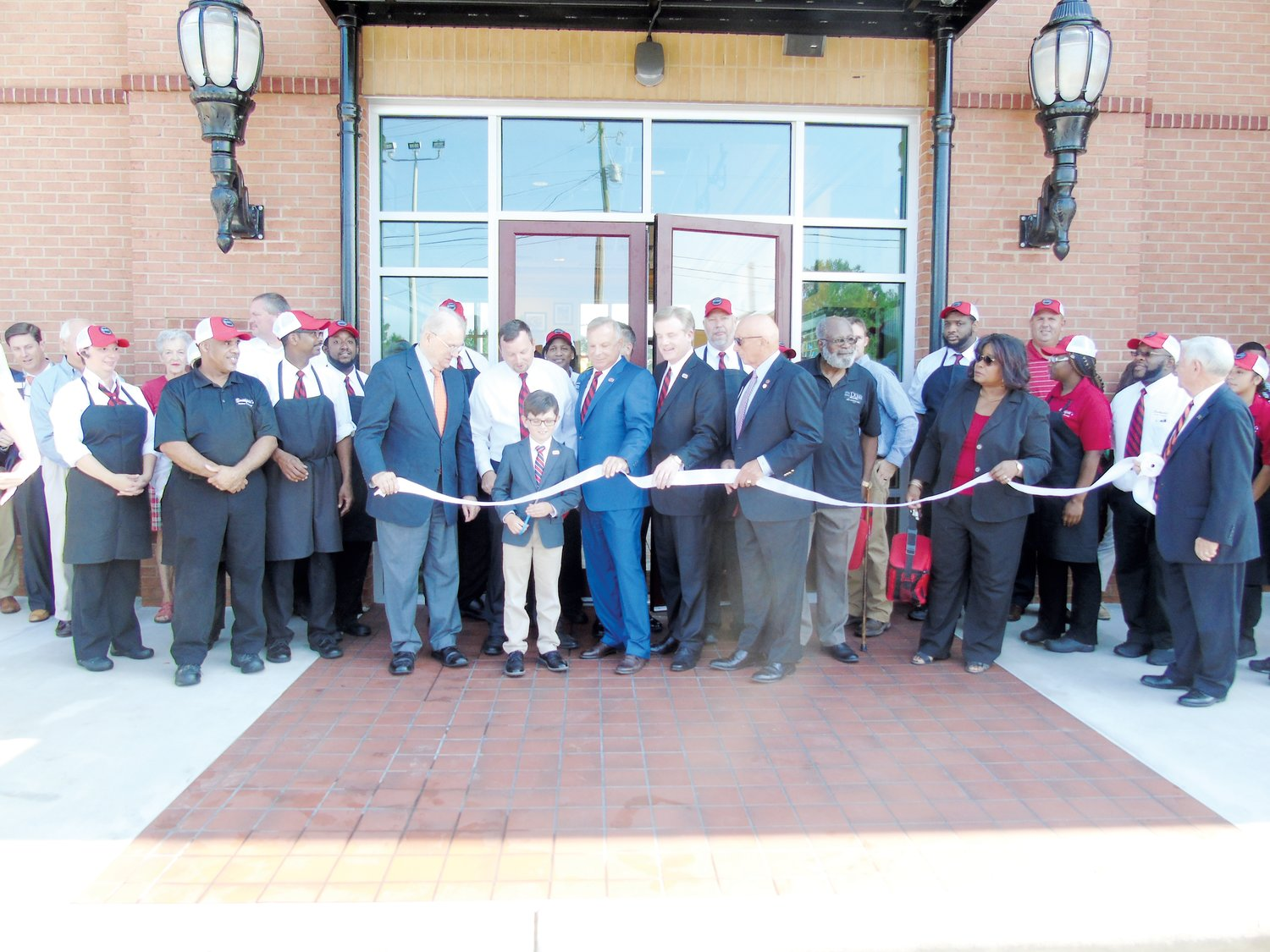 Smithfield's cuts ribbon to celebrate reopening | The Daily