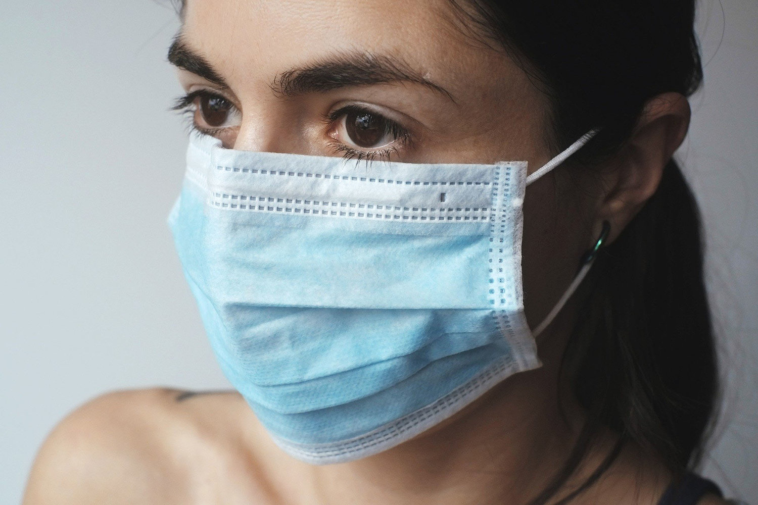 CDC recommends everyone wear face masks in public