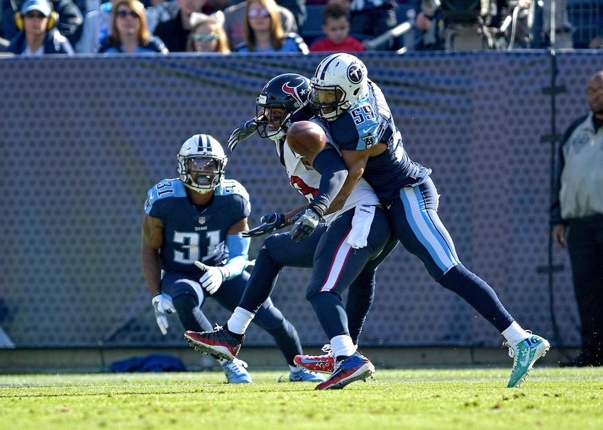 Tennessee Titans inside linebacker Wesley Woodyard (59) defends against the pass in the first half of the NFL football game between the Tennessee Titans and the Houston Texans on Dec. 3, 2017, at Nissan Stadium in Nashville, Tenn. The Titans won 24-13. (Photo by Lee Walls)