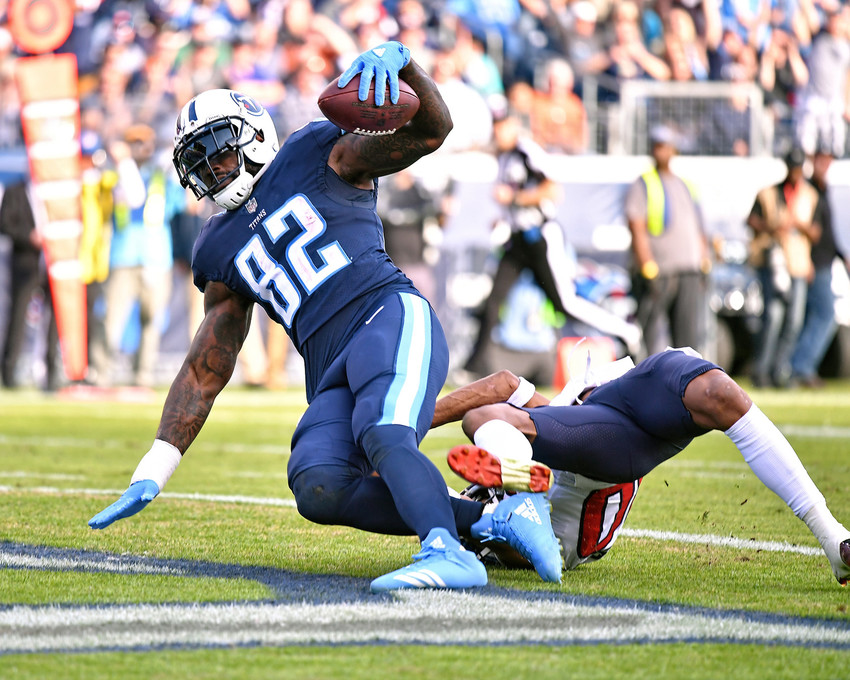 Tennessee Titans tight end Delanie Walker (82) scores a touchdown in the second half against the Houston Texans on Dec. 3, 2017, at Nissan Stadium in Nashville, Tenn. The Titans won 24-13. (Photo by Lee Walls)