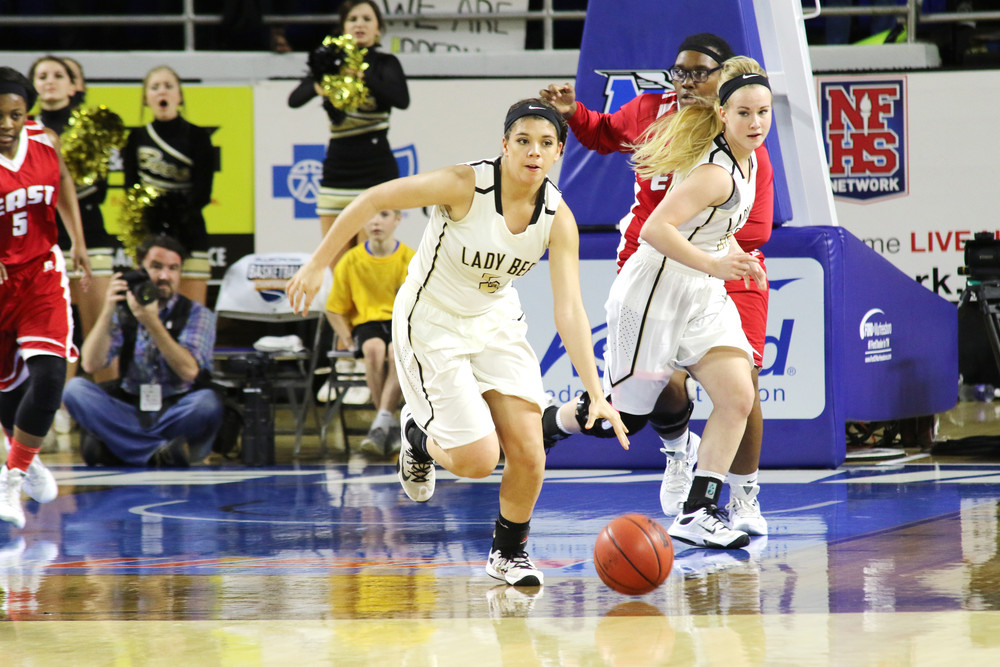 Upperman's Lexie Strickland drives up the court after grabbing a ...