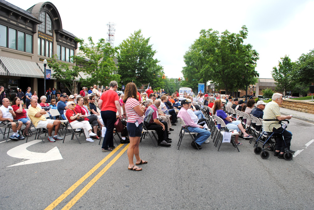 Lindsay McReynolds | Herald-Citizen.A crowd assembles on South Jefferson Avenue between Broad and Spring streets for a Memorial Day service at the Putnam County Courthouse.