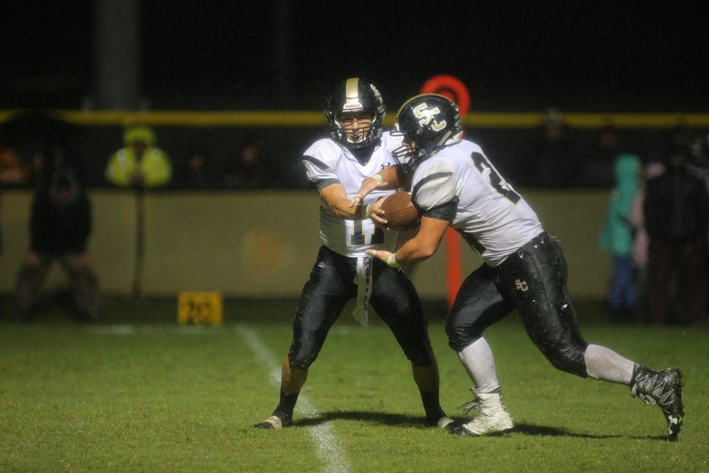 Smith County's Carson Hackett and Bryant Goolsby proved to be a big problem for the Bees Friday. Combined, the duo rushed 45 times for 229 yards in the win.