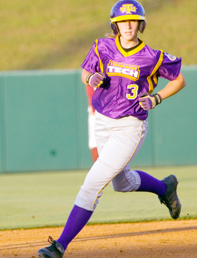 Tennessee Tech's Stephanie Fischer circles the bases.