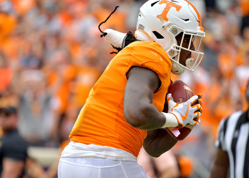 Tennessee Volunteers wide receiver Marquez Callaway (1) makes a catch in the end zone for a touchdown in the second quarter of an NCAA football game against the Chattanooga Mocs Saturday, Sept. 14, 2019, at Neyland Stadium in Knoxville Tenn. Tennessee shuts out Chattanooga 45-0.