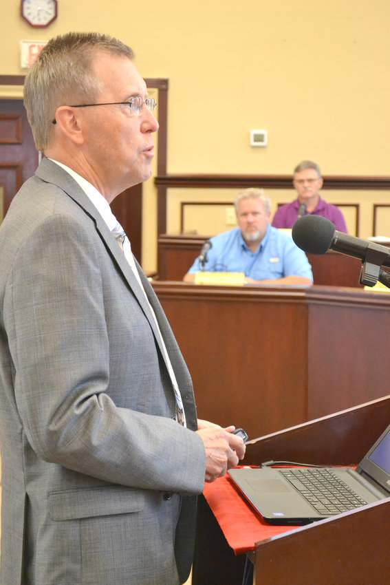 Putnam County Mayor Randy Porter addresses the county commission about two potential locations for a new fairgrounds.
