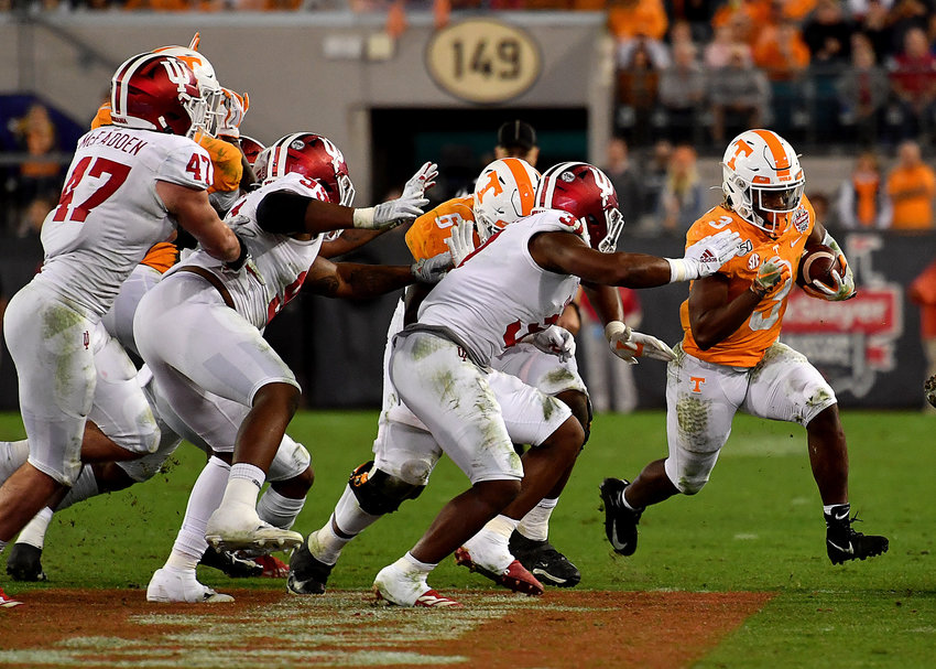 Tennessee Volunteers running back Eric Gray (3) finds the edge in the second half of the Gator Bowl NCAA football game against the Indiana Hoosiers Thursday, January 2, 2020, at TIAA Bank Field in Jacksonville, Fla.