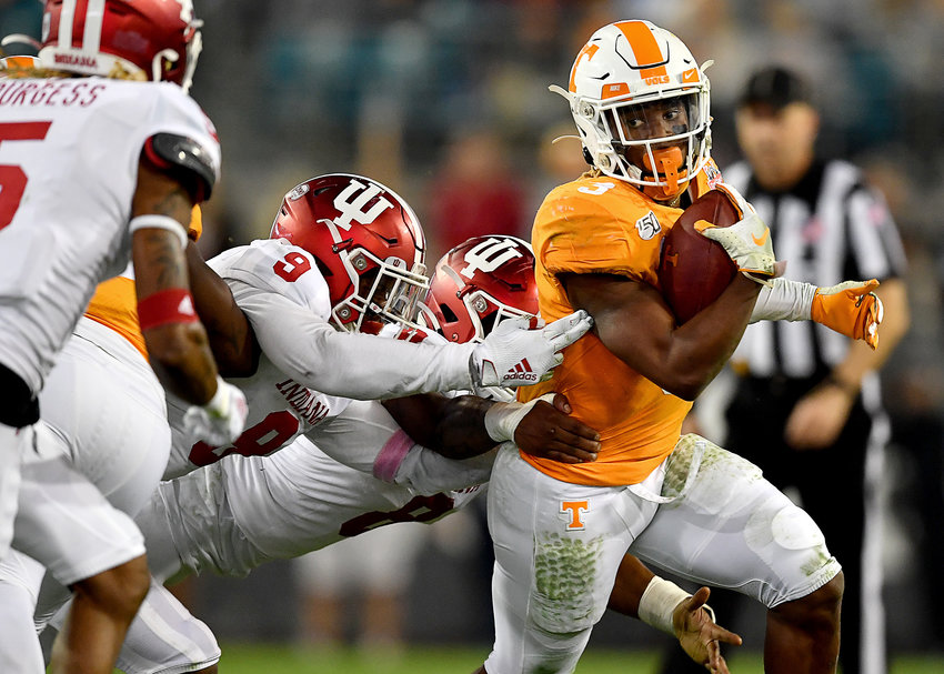 Tennessee Volunteers running back Eric Gray (3) eyes the defense on a run in the second half of the Gator Bowl NCAA football game against the Indiana Hoosiers Thursday, January 2, 2020, at TIAA Bank Field in Jacksonville, Fla.