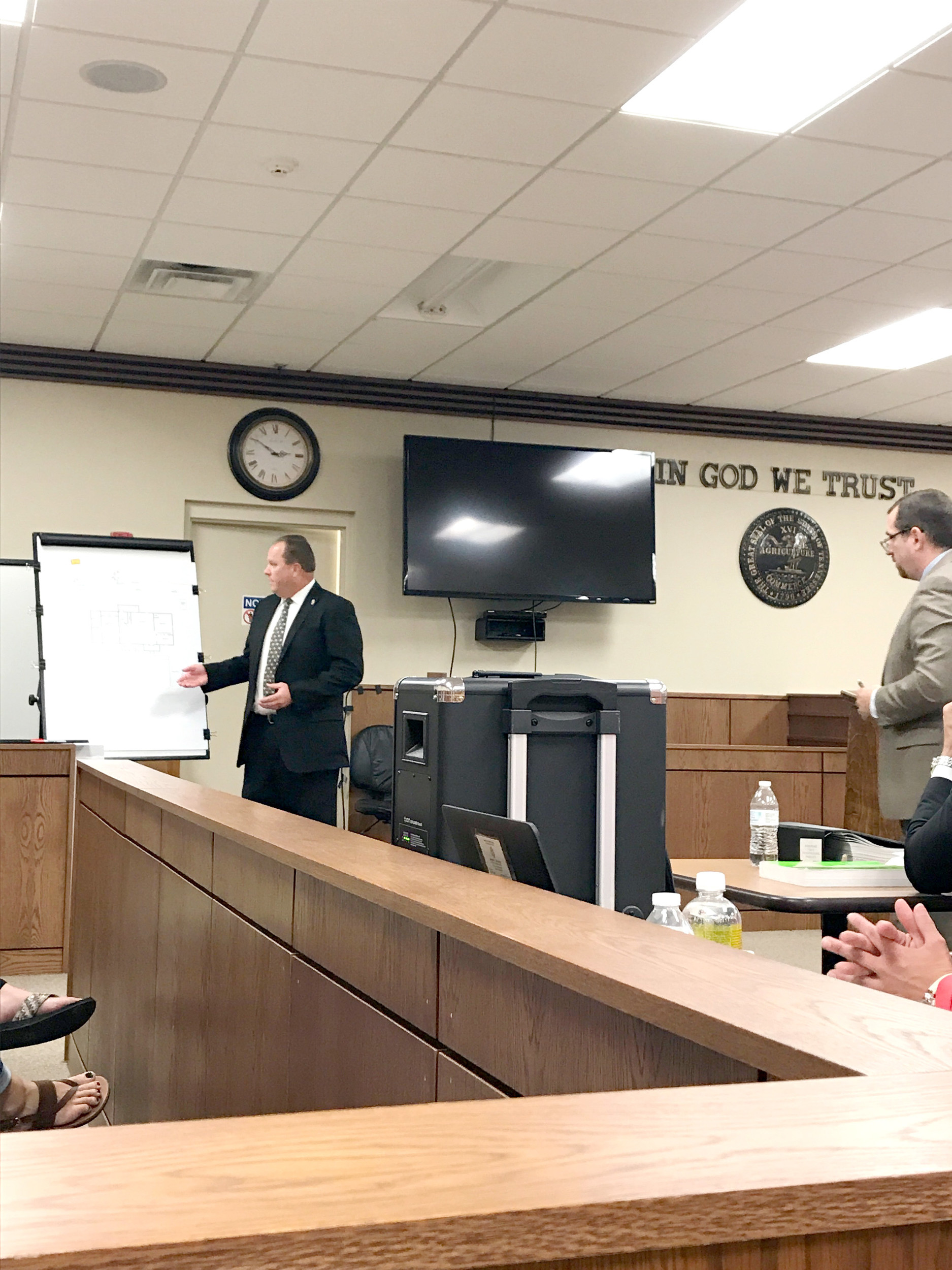 Eight testify in celina murder trial herald citizen tbi special agent steve huntley points out where two shallow graves were found in a diagram ccuart Choice Image