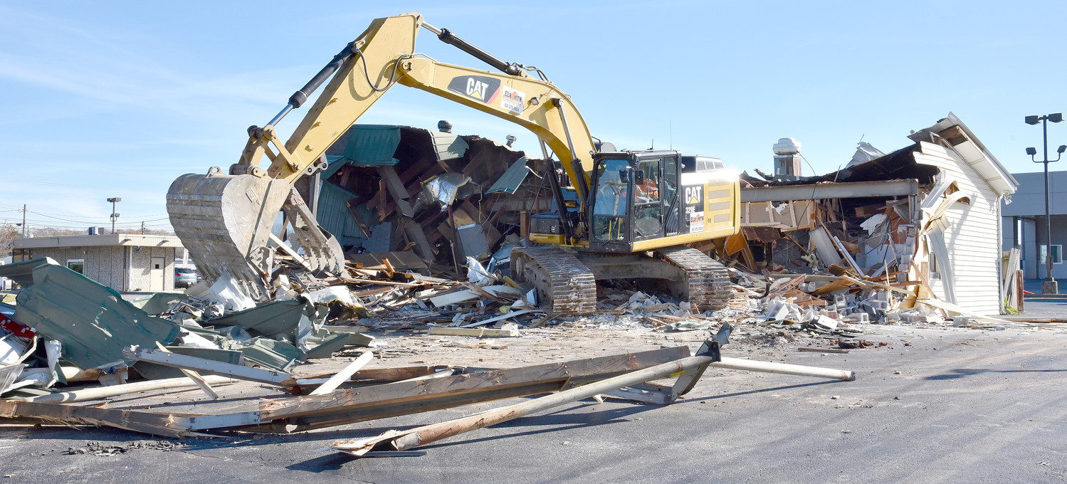 Ford lincoln of cookeville began demolition monday of a former restaurant building at 1075 south
